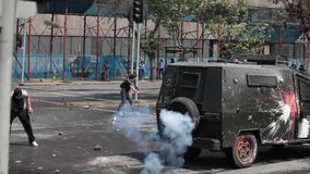 Protester i Chile lager videofilmer