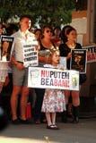 Protester i den Oradea staden mot cyanidguld som gräver i Rosia Montana i Rumänien Royaltyfri Bild