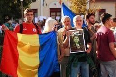 Protester i den Oradea staden mot cyanidguld som gräver i Rosia Montana i Rumänien Arkivfoto