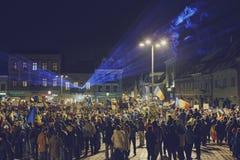 Protester mot det kontroversiella bottenläget, Brasov, Rumänien Royaltyfri Bild