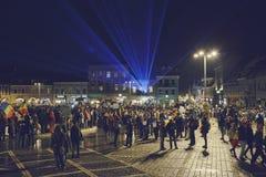 Protester mot det kontroversiella bottenläget, Brasov, Rumänien Arkivbilder