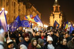 Protester mot nya lagar av rättvisa i Timisoara, Rumänien i Januari 2018 royaltyfri bild
