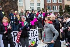 Protestera mot anti--abort lag i Polen, Gdansk, 2016 04 24, Arkivbild