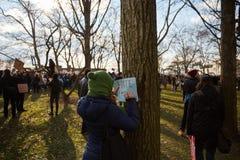 Protestera mot förbud för invandring för trumf` s muslimskt Royaltyfria Foton