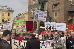 Protestera mot undervisningevangeliet på skolan, Polen Arkivbilder