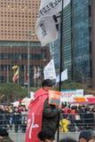 Protestera presidenten Park Geun-hye Fotografering för Bildbyråer