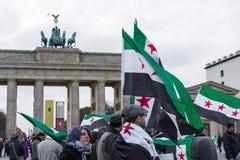 Protestez l'action de l'opposition syrienne près de la Porte de Brandebourg Photos libres de droits