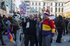 Protesti contro la guerra siriana, È il terrorismo e islamofobia in Europa, al centro urbano di Madrid Immagini Stock