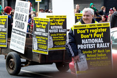 Protestieren Sie auf Tagesparade Str.-Patricks im Limerick Lizenzfreie Stockfotografie