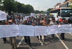 Protestieren Sie gegen die Politik der Regierung, um Kraftstoffpreise zu erhöhen Lizenzfreies Stockbild