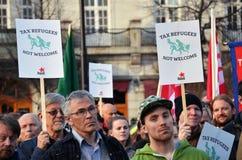 Protestieren Sie gegen Steueroasen vor dem norwegischen Parlament (Stortinget) Lizenzfreie Stockbilder