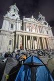 Protestierender durch Kathedrale Str.-Pauls, London Lizenzfreies Stockbild