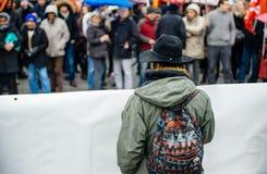 Protestierender erfasst bei Kleber Square, der den Winkel des Leistungshebels der Regierung protestiert Stockfoto