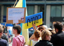 Protestmanifestation mot krig i Ukraina Arkivfoto