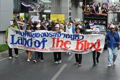 Protesto branco antigovernamental da máscara em Banguecoque fotografia de stock