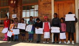 Protesto das crianças contra o abuso Joanesburgo África do Sul foto de stock