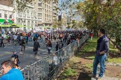 Protesto do estudante no Santiago, o Chile, março, 17, 2015: Os estudantes tomam às ruas no Santiago, o Chile para protestar cont fotografia de stock royalty free