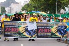 Protesto dos brasileiros contra o governo e o presidente fotografia de stock royalty free