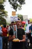 Protesto dos venezuelanos sobre faltas da medicina Imagem de Stock Royalty Free