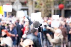 Protesto ou demonstração política fotos de stock