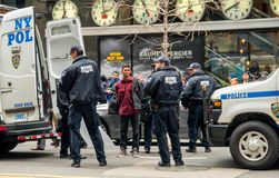 Protestor που συλλαμβάνεται Στοκ φωτογραφία με δικαίωμα ελεύθερης χρήσης