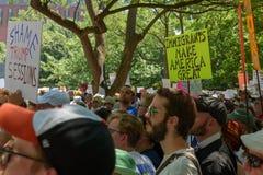 Protestors an den Familien gehören zusammen Sammlung lizenzfreies stockfoto