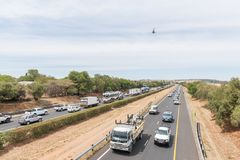 Protestors, die Verkehr in Bloemfontein im Protest gegen stören Stockbild