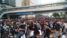 Protestors w Harcout drogowym pobliskim rzędzie centralnym Offi Zajmują Admirlty Hong Kong 2014 protesty Parasolowa rewolucja Zaj Zdjęcia Stock