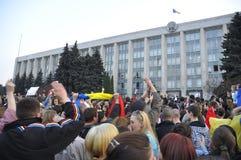 Protestos anticomunistas dos demonstradores em Chisinau Fotos de Stock Royalty Free