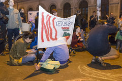 Protestos contra a extração do ouro do cianureto em Rosia Montana Imagens de Stock Royalty Free