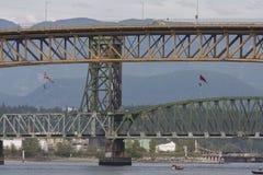 Protestujący one obniżają z Żelaznego Wokers ` pomnika mosta w Vancouver Obraz Stock