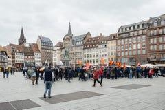 Protestujący zbierający przy Kleber rzędu Kwadratowymi protestującymi śliwkami Obrazy Stock