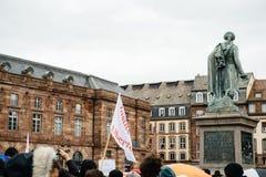Protestujący zbierający przy Kleber rzędu Kwadratowymi protestującymi śliwkami Fotografia Royalty Free