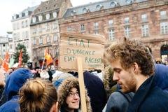 Protestujący zbierający przy Kleber rzędu Kwadratowymi protestującymi śliwkami Obrazy Royalty Free