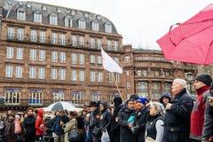 Protestujący zbierający przy Kleber rzędu Kwadratowymi protestującymi śliwkami Zdjęcie Royalty Free