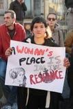 Protestujący na kobiety ` s Marzec w Portugalia Fotografia Royalty Free