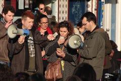 Protestujący na kobiety ` s Marzec w Portugalia Obraz Royalty Free