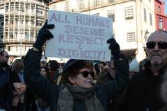 Protestujący na kobiety ` s Marzec w Portugalia Zdjęcie Stock