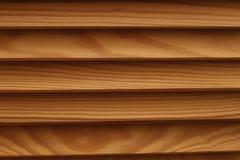 Protetor com um grande número textura de madeira paralela dos logs Cortinas da madeira Imagens de Stock Royalty Free