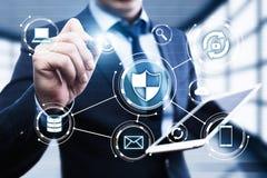 Protetor da segurança do Cyber no conceito da privacidade da tecnologia do negócio da proteção de dados da tela de Digitas Foto de Stock