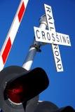 Protetor e luzes de cruzamento da estrada de ferro Fotos de Stock Royalty Free