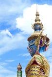 Protetor gigante e céu azul Fotos de Stock Royalty Free