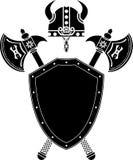 Protetor, machados e capacete de viquingue Imagem de Stock