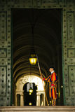 Protetor suíço no Vaticano fotografia de stock