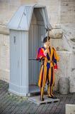 Protetor suíço no Vaticano Foto de Stock
