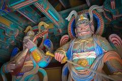 Protetores na entrada ao complexo do templo de Bulguksa (foi construído dentro fotos de stock royalty free