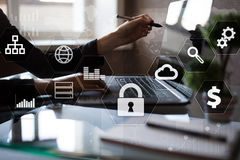 Protezione dei dati, sicurezza cyber, sicurezza di informazioni Concetto di affari di tecnologia fotografie stock libere da diritti