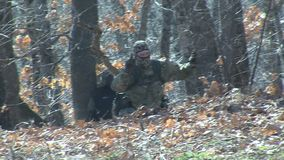 Protezione del confine Bulgaro-turco dalle milizie del ` s della gente stock footage