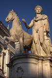 Protezione della statua della macchina per colata continua di Roma Italia Immagine Stock