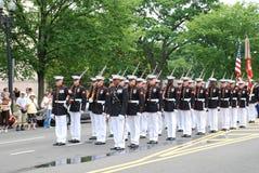 Protezioni di onore del Corpo della Marina degli Stati Uniti Fotografia Stock Libera da Diritti